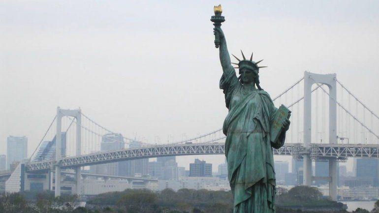 Evacuaron la isla de la Estatua de la Libertad por un incendio