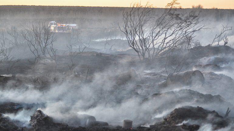 Bomberos combatieron un nuevo incendio de pastizales en Plottier