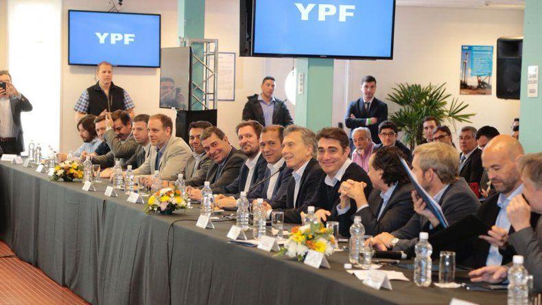 Macri presidió el primer encuentro de la mesa Vaca Muerta