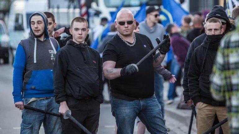 Una manifestación neonazi preocupa a Angela Merkel