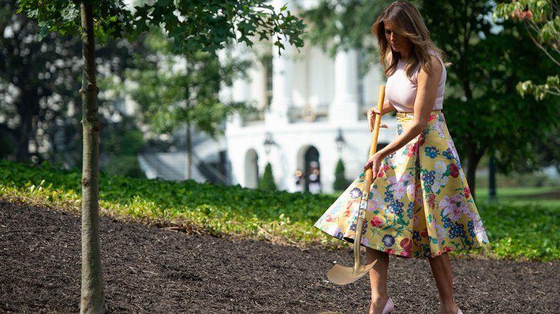 La esposa de Trump no se habría ensuciado sus zapatos con tacos.