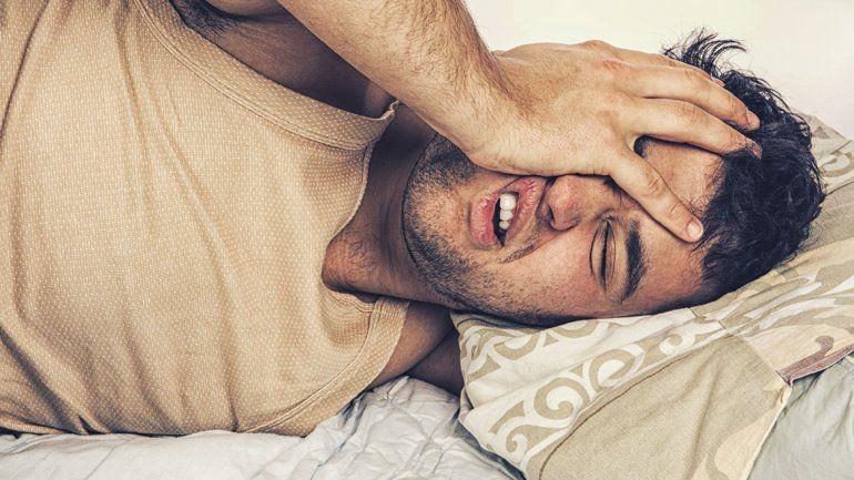 Dormir poco o mucho es igual de peligroso para el corazón