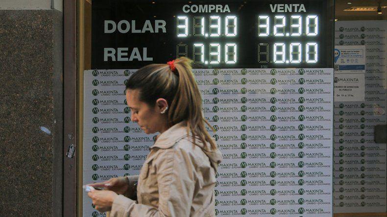 ¿Dónde está el límite?:  Sin freno, el dólar no para de batir récords