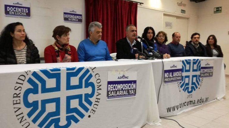Los docentes siguen sin acuerdo y mañana se espera una gran marcha en defensa de la UNCo