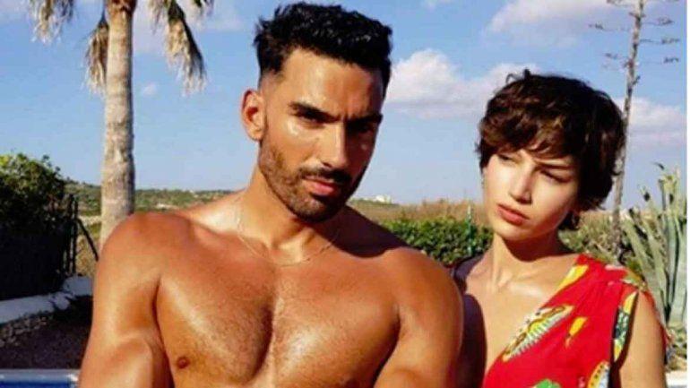 Iván Gómez, su íntimo amigo, retrató a la actriz española en Menorca, una bella isla de España.