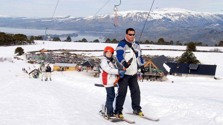El parque de nieve Batea Mahuida atrajo a los neuquinos.