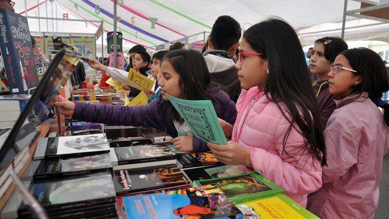 En su primer día, los chicos coparon la Feria del Libro