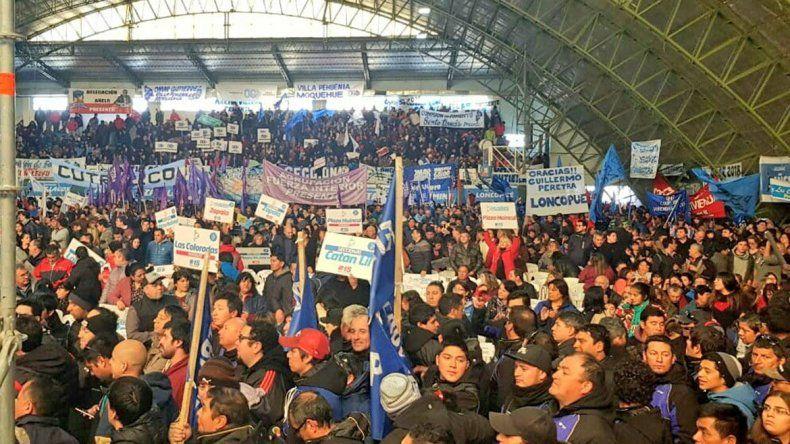 La militancia azul copó Zapala por las nuevas autoridades del MPN