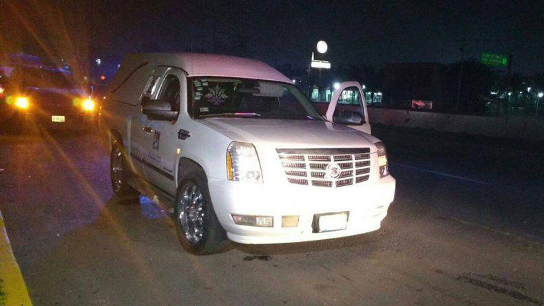 Se robaron una carroza fúnebre con un cuerpo
