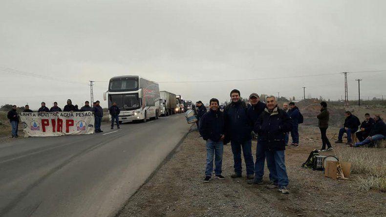 En Neuquén, el paro comienza con cortes de ruta