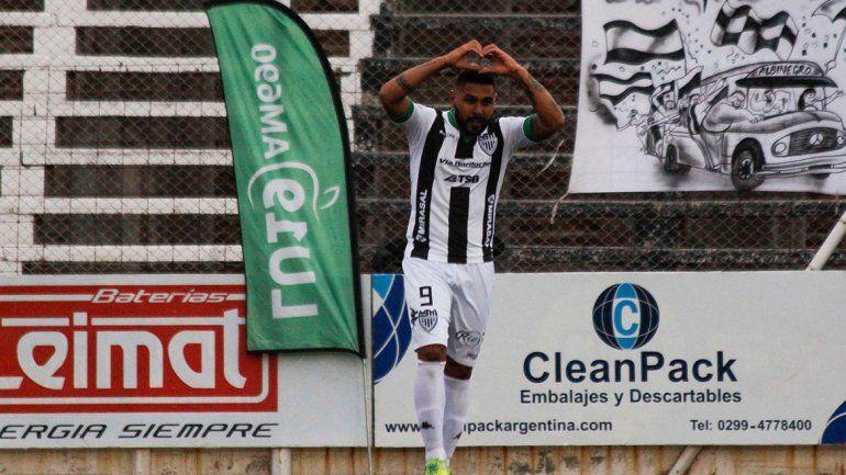 Herrera volvió a marcar en La Visera