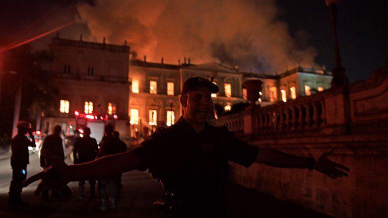 El edificio no contaba con un sistema de prevención de incendios. Se proyectaba instalarlo en un futuro con un crédito de 5