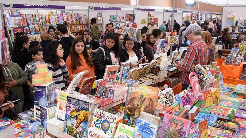 Libros y charlas ya reunieron a más de 20 mil personas