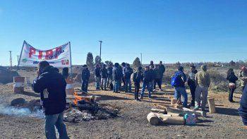 trabajadores de la piap iran a la ruta 22 en senillosa