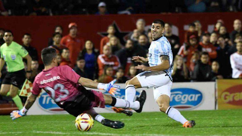 Díaz puso el 2-1 para la victoria de Atlético Tucumán en Rosario.