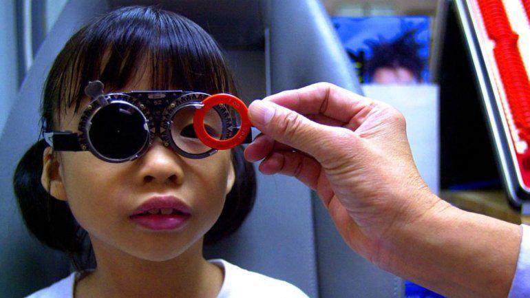 Los chinos limitarán los juegos online para prevenir la miopía