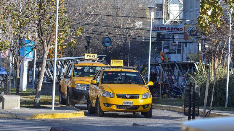 Piden que la Policía se ocupe del rastreo satelital de los taxis