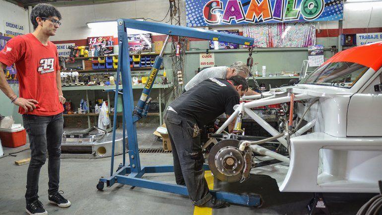 Camilo destacó la ayuda de su mecánico