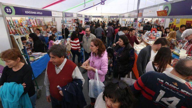 Por el viento, suspendieron las actividades en la globa de la Feria del Libro