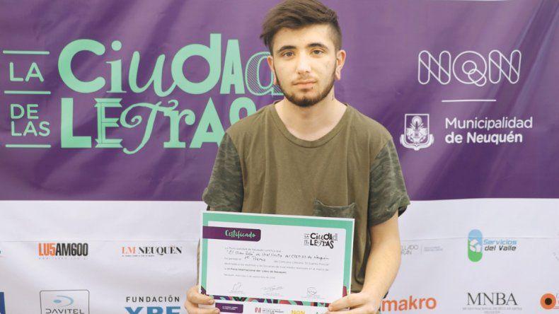 Alumno del CPEM 23 ganó concurso de cuento policial