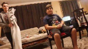 Youtuber le hizo creer que era invisible: mirá su reacción insólita