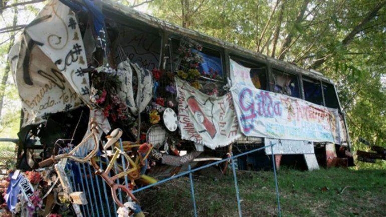 Con los años, se armó un santuario en honor a Gilda, en el colectivo de la tragedia.