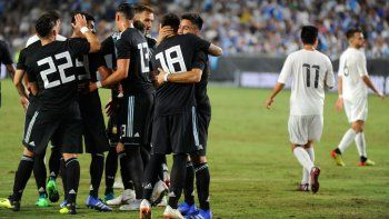 la renovada seleccion goleo 3-0 a guatemala