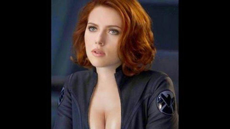Marvel busca doble de glúteos para Scarlett