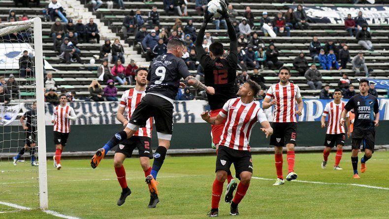El arquero de Independiente Ceferino Arregui tuvo una buena actuación en el Mundialista de Mar del Plata.