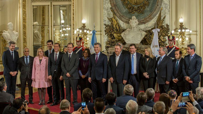 Gutiérrez va hoy al cónclave con Macri por el presupuesto