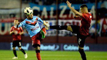El arquero Ríos atajó dos penales, a Brítez y a Figal.