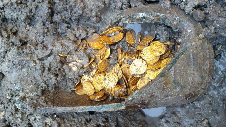 Encontraron cientos de monedas de oro romanas