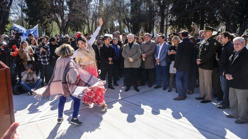 Se festejó a toda orquesta en la nueva plaza Roca