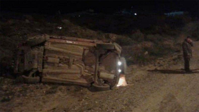 Le prestaron una camioneta, se emborrachó y volcó en Ruta 7
