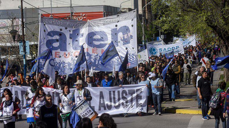 Los estatales marcharon por el centro contra el ajuste de Macri