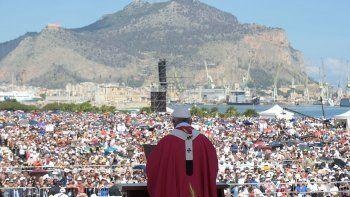 el papa dijo en sicilia que quien vive como mafioso no es cristiano