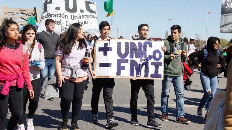 Contra el ajuste, hoy la UNCo sale a cortar la ruta del petróleo