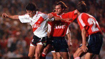 Tienen muchas historias coperas, pero por Libertadores no se miden desde hace 23 años.