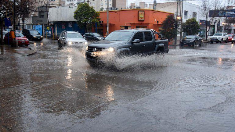 Alertan por fuertes lluvias mañana en el Alto Valle