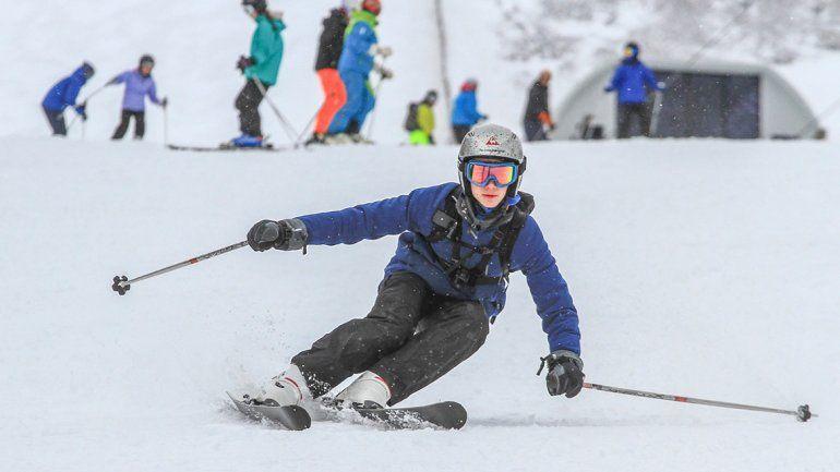 Nevó en Chapelco y es una tentación para los esquiadores