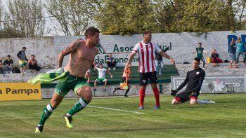 Franco Jominy entró en el complemento y marcó dos goles para revertir la historia ante el Rojo neuquino.