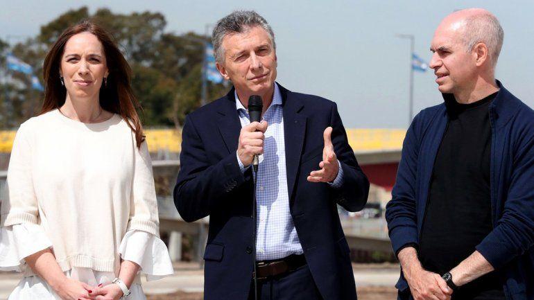 El Presidente inauguró un puente que une CABA con el conurbano.