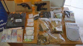 plottier: allanaron por un robo y encontraron un kiosco narco