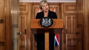 brexit: theresa may pide respeto y critico a la union europea
