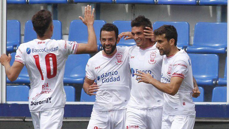 Huracán le ganó a Tigre en el arranque del domingo futbolero