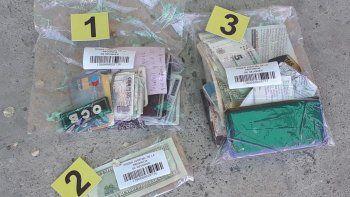 vendian dolares falsos en la calle y fueron detenidos