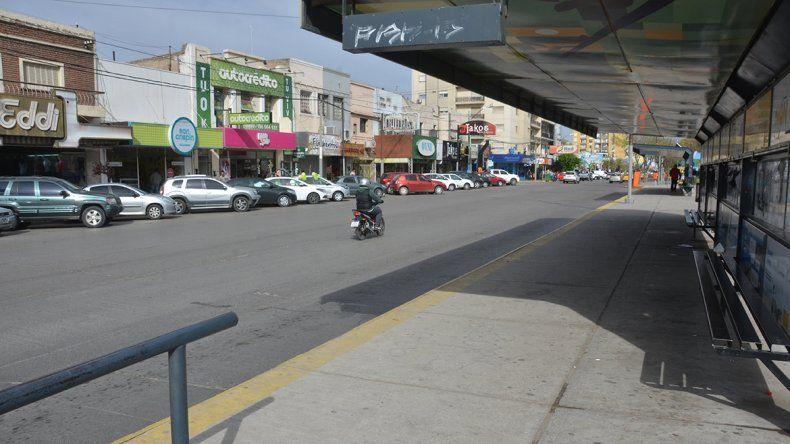 Calles vacías y poco movimiento: el paro general se sintió en Neuquén