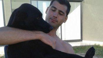 su perra se extravio y ofrece su camioneta como recompensa