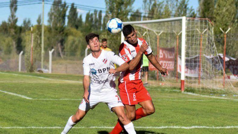 Alan Vivanco entrará por el suspendido Valenzuela.