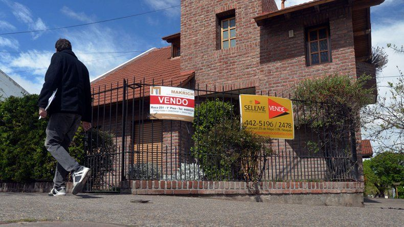 La devaluación paralizó la compra y venta de casas